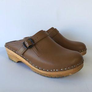 Troentorp Raphael Tan Leather Swedish Clogs
